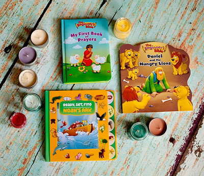 Three great board books for young children: Ready, Set, Find Noah's Ark, The Beginner's Bible Daniel And The Hungry Lions, and The Beginner's Bible My First Book Of Prayers. | Review by Running With Spears #christiankids #zonderkidz